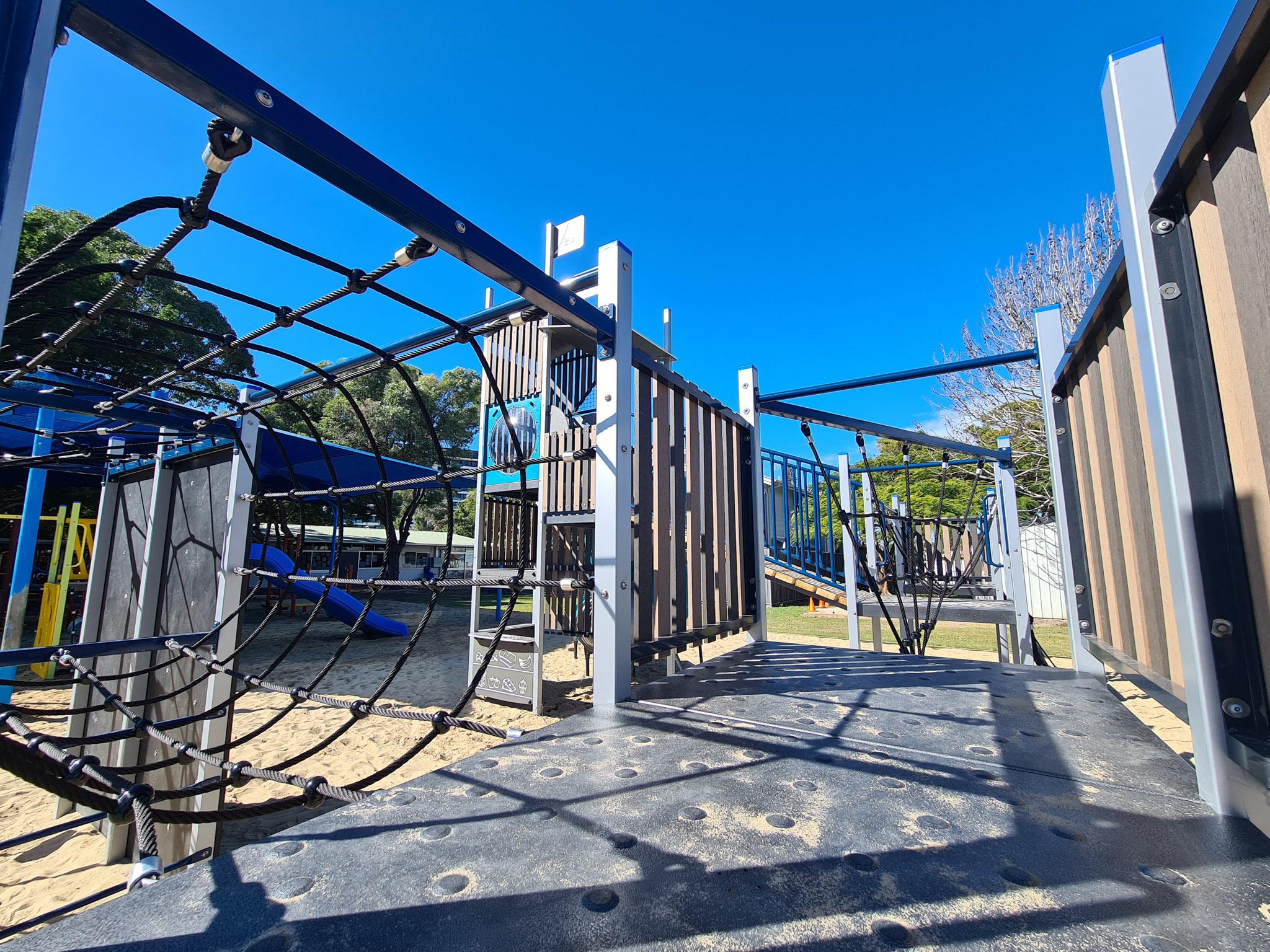 palm-beach-state-school-playrground-austek-play-11